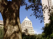 BLOGwebphoto-BldgsDowntownMobile102509 [01]