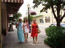 Irina-Kristina-Galina-Downtown-07192009 [09]