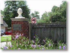 BLOG-YESTER OAKS ENTRANCE SIGN-070815 [01]